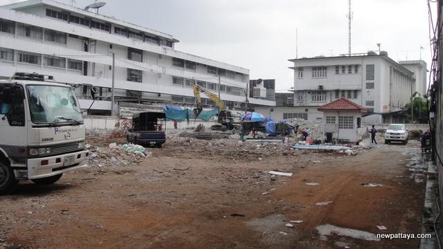 The Lofts Ekkamai - 28 April 2013 - newpattaya.com