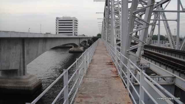 Railway bridge over Chao Praya River - 28 April 2013 - newpattaya.com