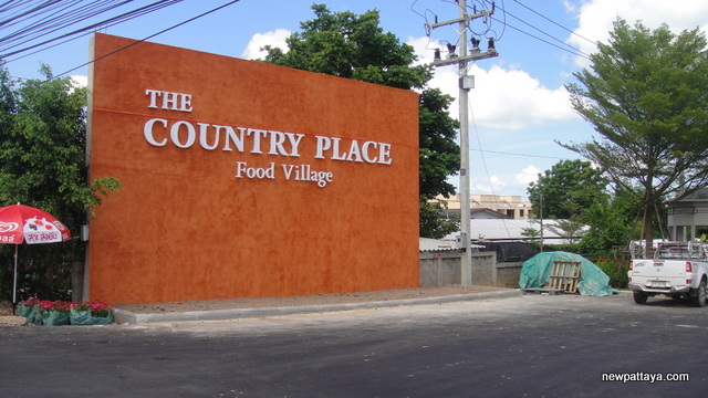 The Country Place Food village - 31 April 2013 - newpattaya.com