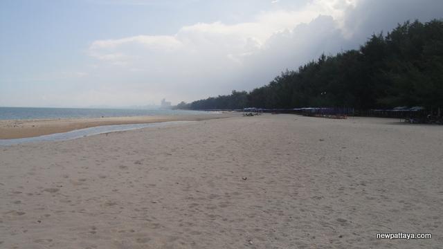 Cha Am Beach - October 2012 - newpattaya.com