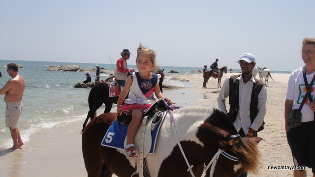 Cute girl riding a horse - October 2012 - newpattaya.com