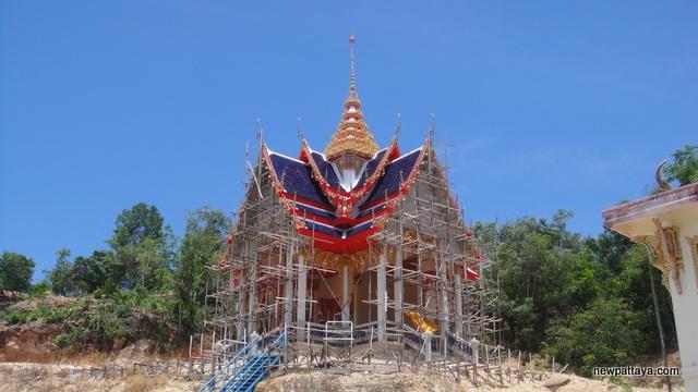 Wat Khao Pho Thong - 15 May 2013 - newpattaya.com