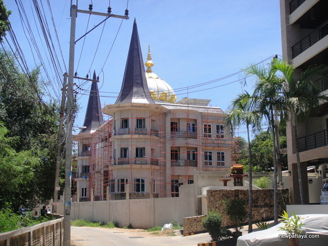 A Humble Abode on Pratumnak Hill - 19 September 2014 - newpattaya.com