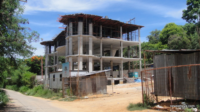 A Humble Abode on Pratumnak Hill - 2 July 2013 - newpattaya.com