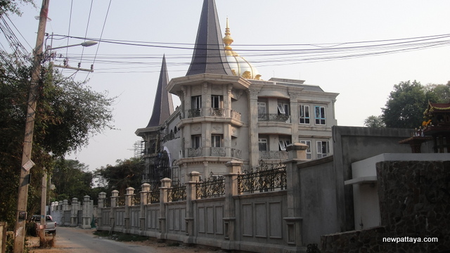 A humble abode on Pratumnak hill - 11 February 2015 - newpattaya.com