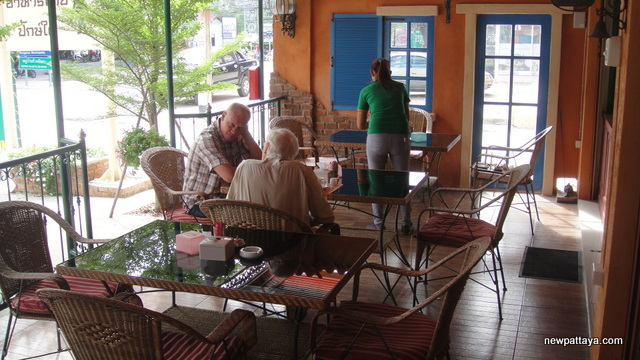 Holland Tulip Bakery and Café Soi Siam - 15 August 2013 - newpattaya.com