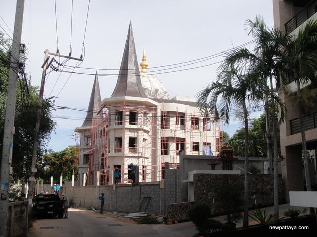 A Humble Abode on Pratumnak Hill - 14 May 2014 - newpattaya.com