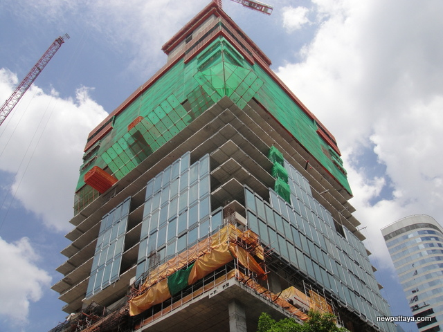 MahaNakhon The Ritz-Carlton Residences - 2 July 2014 - newpattaya.com