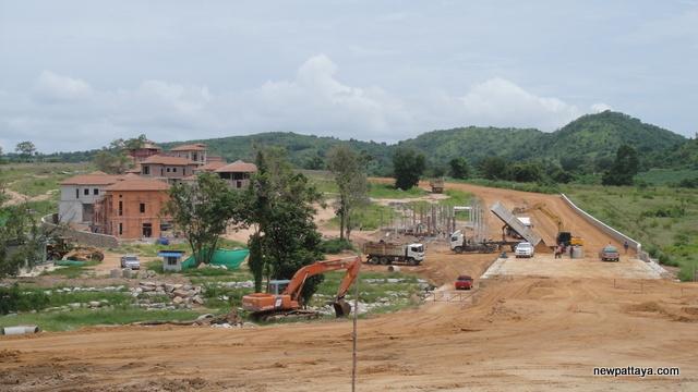 Sirisa Hilly Village - 25 June 2013 - newpattaya.com