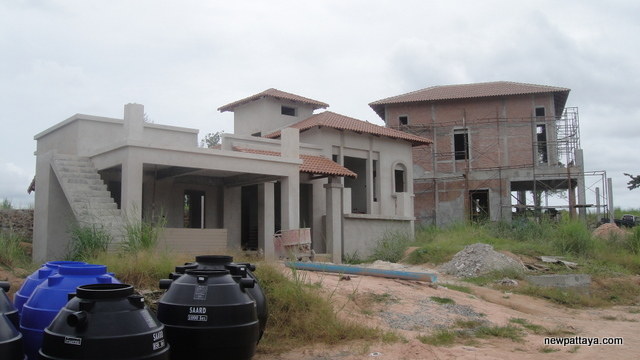 Sirisa Hilly Village - 23 August 2013 - newpattaya.com