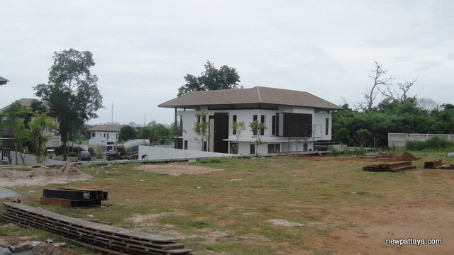 Baan Nakarasarp - 20 August 2013 - newpattaya.com