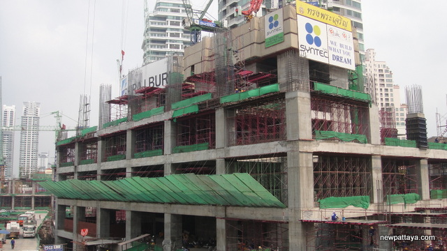 EmQuartier Shopping Mall and Bhiraj Tower - 16 February 2013 - newpattaya.com