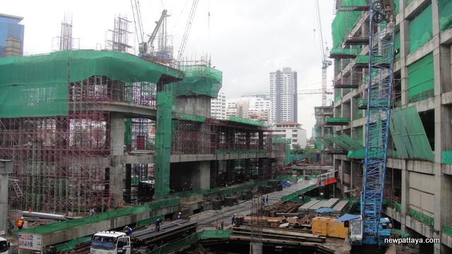 EmQuartier Shopping Mall and Bhiraj Tower - 5 June 2013 - newpattaya.com