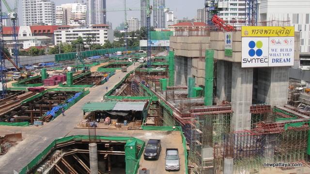 EmQuartier Shopping Mall and Bhiraj Tower - 20 October 2012 - newpattaya.com