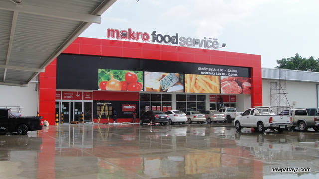 Makro Food Service North Pattaya - 4 May 2014 - newpattaya.com
