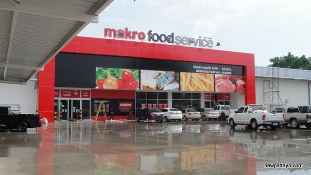 Makro Food Service North Pattaya - 4 May 2014 - newpattaya.com