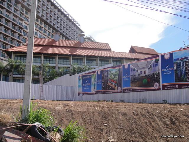 Arcadia Beach Residence Naklua - 2 June 2014 - newpattaya.com