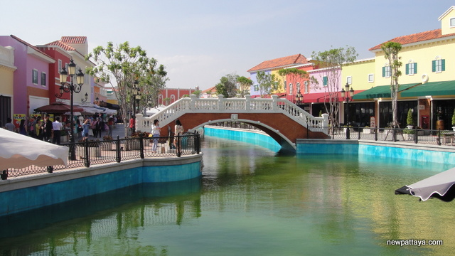 The Venezia Hua Hin - 6 December 2013 - newpattaya.com