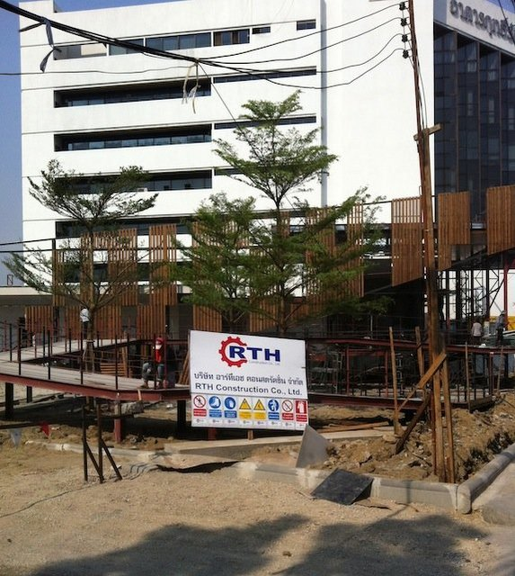 The Base Rama 9 - Ramkhamhaeng - RTH Construction