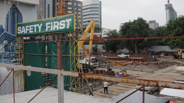 Smile Square Bangkok - 22 June 2014 - newpattaya.com