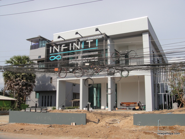 Infiniti Condominium Pattaya - 29 April 2014 - newpattaya.com