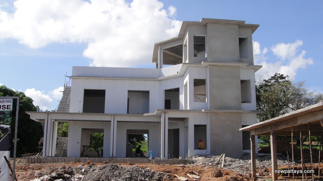 Custom built house by Q Construction - 9 May 2014 - newpattaya.com