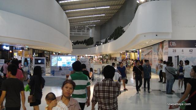 Central Plaza WestGate