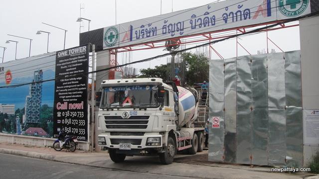 1 Tower Pratumnak - 21 August 2014 - newpattaya.com