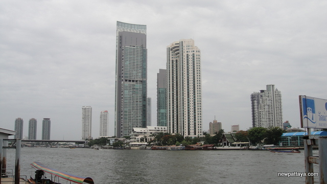 The River Condominium near ICONSIAM - 1 August 2014 - newpattaya.com
