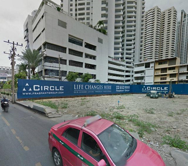 Circle Sukhumvit 11 December 2011