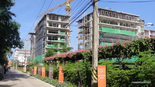 Balcony Seaside Serviced Apartments Sriracha - 23 November 2014 - newpattaya.com