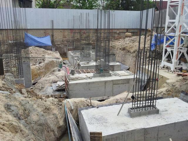 Liv @ Nimman Construction March 2013