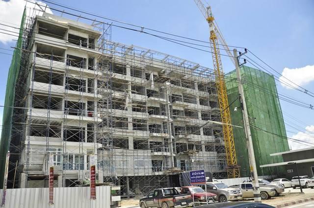The Unique @ Ruamchok Construction 30 August 2013