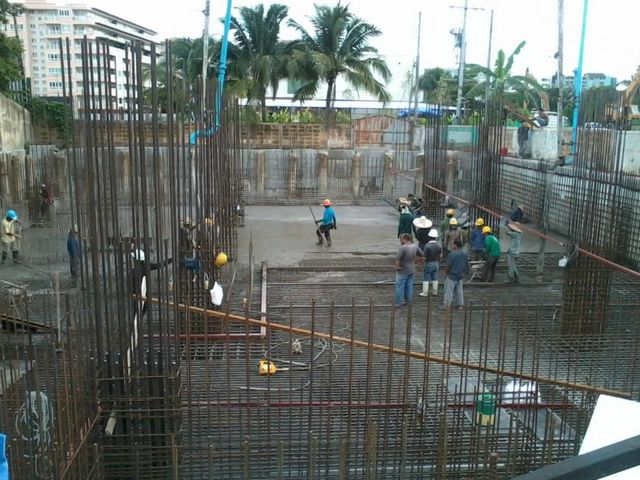 The Unique Condo @ Nimman 2 - Construction August 2013