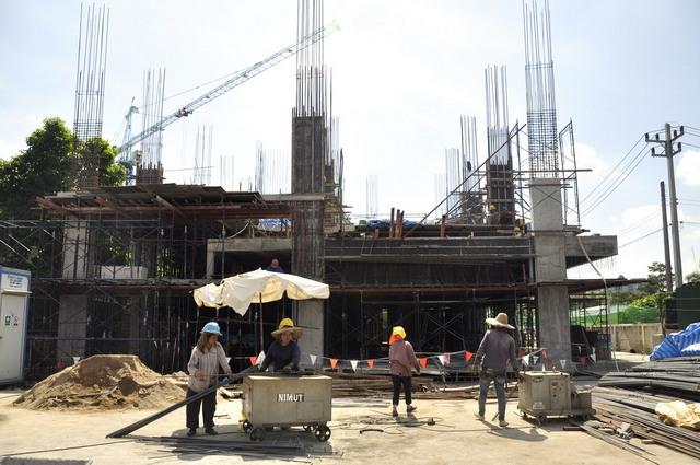 The Unique Condo @ Nimman 2 - Construction December 2013