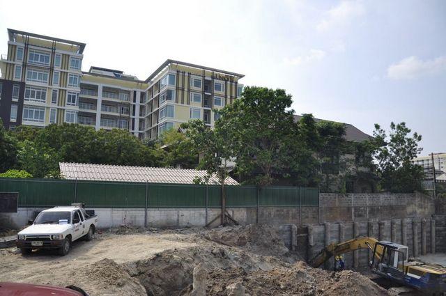 The Unique Condo @ Nimman 2 - Construction June 2013