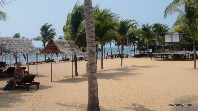The beach in front of Pinnacle Resort Jomtien