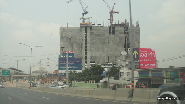 Rich Park 3 @ Chaophraya - 19 March 2015 - newpattaya.com