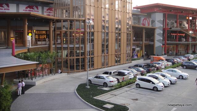 AEON Sriracha Shopping Center