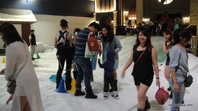 Snow Town Ekamai Bangkok