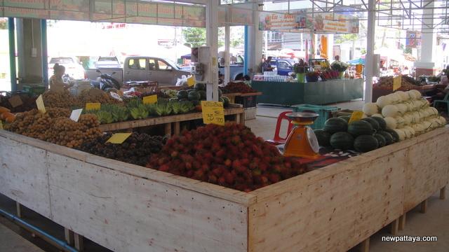 Rattanakorn Wanasin Market Soi Siam