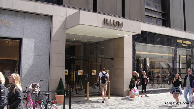 Illum Department Store by Central Group
