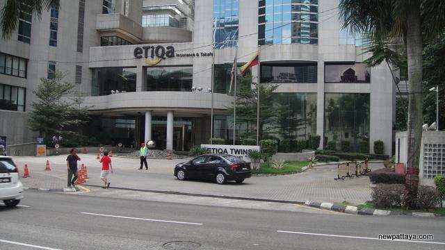 Etiqa Twins