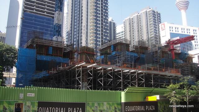 Equatorial Plaza